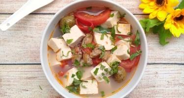 Canh đậu phụ nấu chua